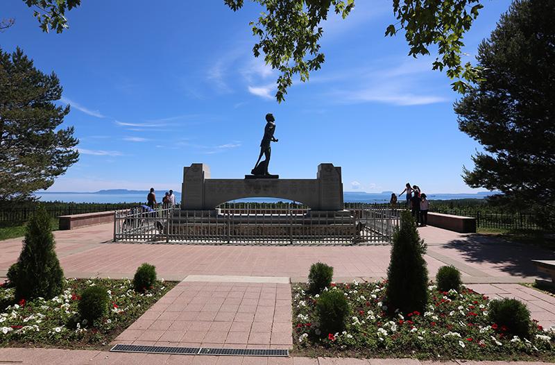 Terry Fox Memorial 2